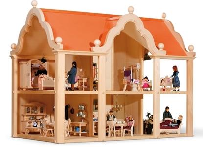 Grote ruime klassieke poppenhuis met 6 kamers, hier gevuld met poppen en poppenmeubels.