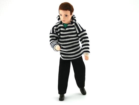 Popje voor poppenhuis, moderne Papa met zwarte broek en wit en zwart gestreepte hoodie.