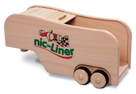 Houten gesloten speelgoed autotransporteur dat kan open gemaakt worden of gesloten.